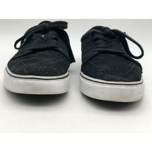 Nike Shoes - Nike Mens Athletic Sneakers Black Low Top Lace Ups
